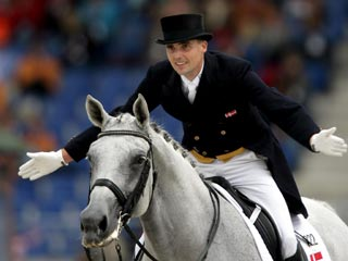 Andreas Helgstrand riding Blue Hors Matine